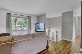 Photo 5: 27 Young Crescent in Regina: Glencairn Residential for sale : MLS®# SK864645