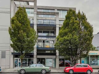 """Main Photo: D 489 W 6TH Avenue in Vancouver: False Creek Condo for sale in """"MIRO"""" (Vancouver West)  : MLS®# V1140659"""