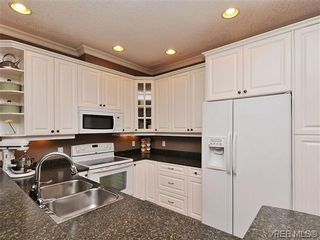 Photo 8: 969 Cavalcade Terr in VICTORIA: La Florence Lake House for sale (Langford)  : MLS®# 622566