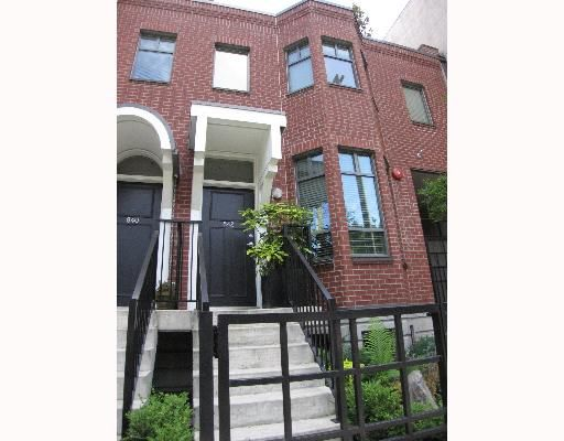 """Main Photo: 842 W 6TH Avenue in Vancouver: Fairview VW Townhouse for sale in """"BOXWOOD GREEN"""" (Vancouver West)  : MLS®# V650678"""