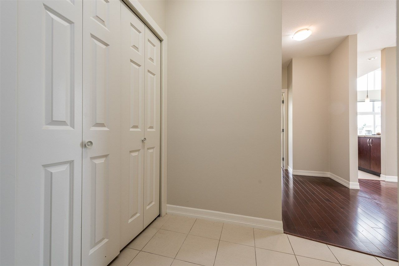 """Photo 2: Photos: 414 10237 133 Street in Surrey: Whalley Condo for sale in """"ETHICAL GARDENS"""" (North Surrey)  : MLS®# R2182809"""
