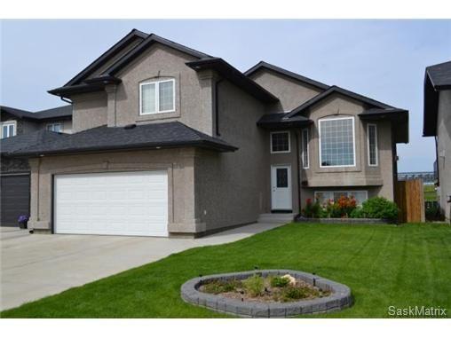 Main Photo: 355 Thode AVENUE in Saskatoon: Willowgrove Single Family Dwelling for sale (Saskatoon Area 01)  : MLS®# 460690