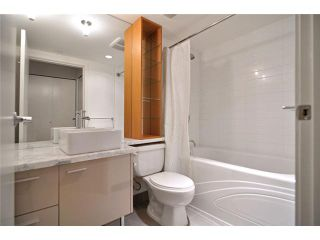 """Photo 8: 1905 33 SMITHE Street in Vancouver: Yaletown Condo for sale in """"Coopers Lookout"""" (Vancouver West)  : MLS®# V954984"""