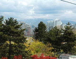"""Photo 1: 1 1266 W 6TH Avenue in Vancouver: Fairview VW Townhouse for sale in """"CAMDEN COURT"""" (Vancouver West)  : MLS®# V704560"""