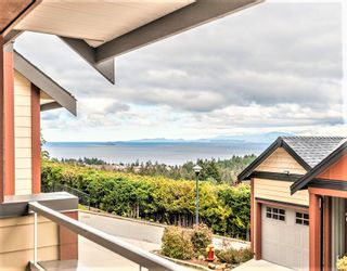 Photo 1: 104-4730 Skyline Way in Nanaimo: Condo for rent
