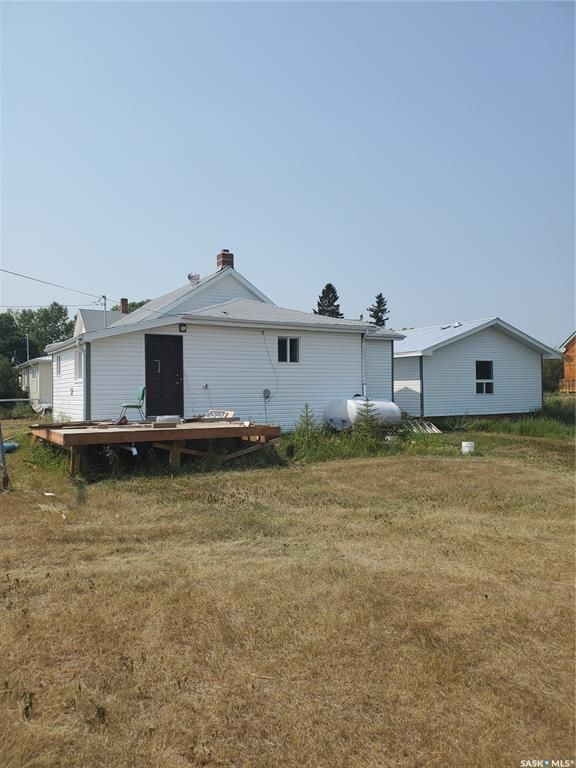 Main Photo: 207 Ewart Street in Hawarden: Residential for sale : MLS®# SK865492
