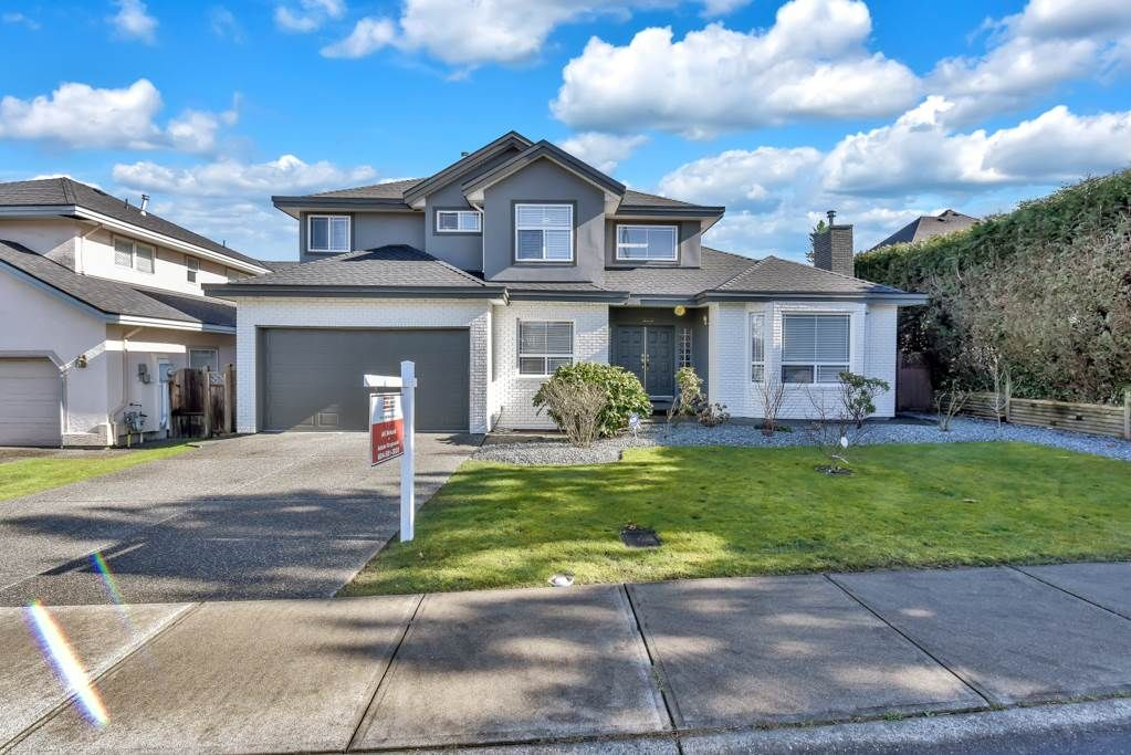 Main Photo: 8522 168 Street in Surrey: Fleetwood Tynehead House for sale : MLS®# R2540701