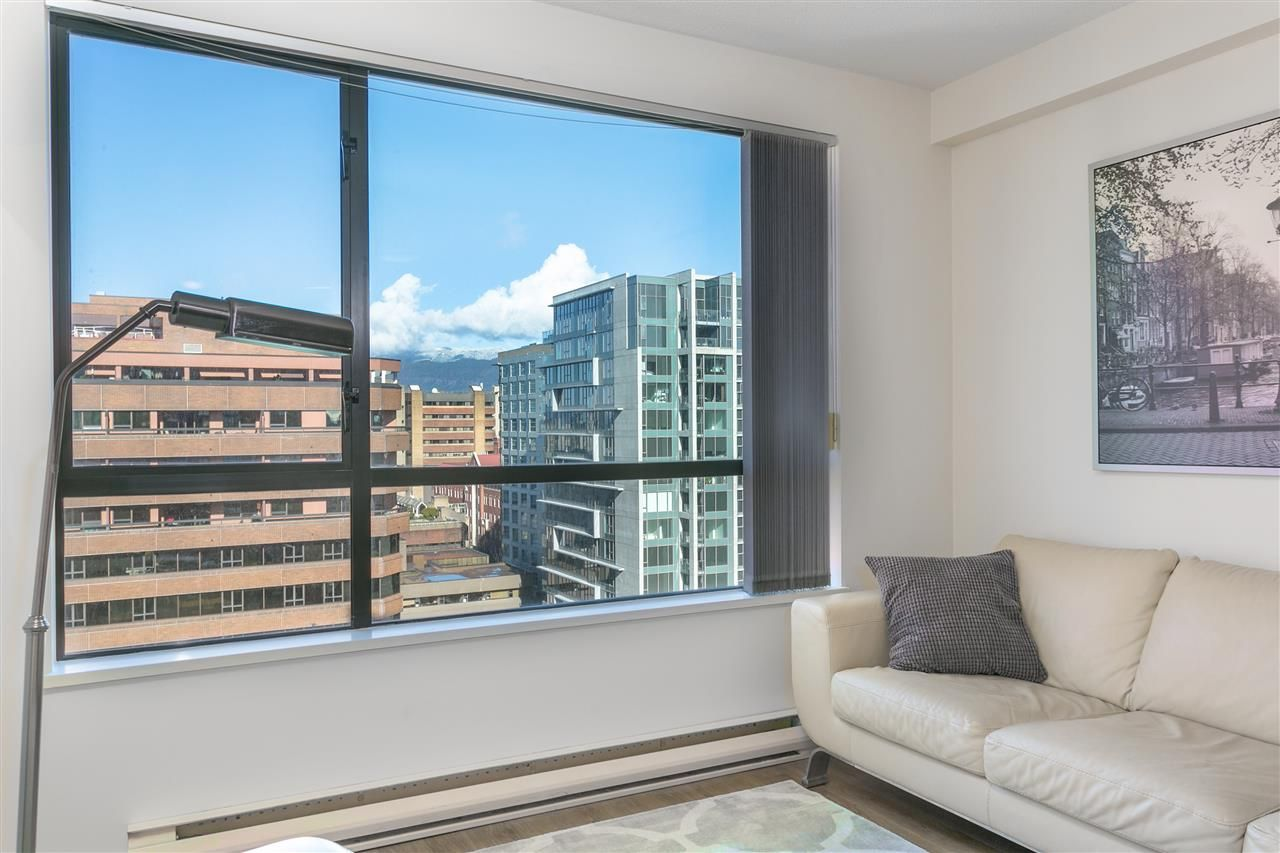 """Main Photo: 2008 1189 HOWE Street in Vancouver: Downtown VW Condo for sale in """"GENESIS"""" (Vancouver West)  : MLS®# R2459398"""