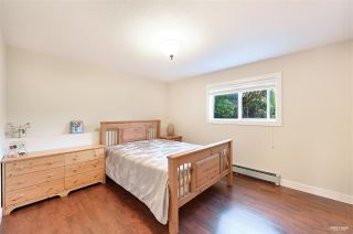 Photo 26: 13976 MARINE Drive: White Rock House for sale (South Surrey White Rock)  : MLS®# R2552761