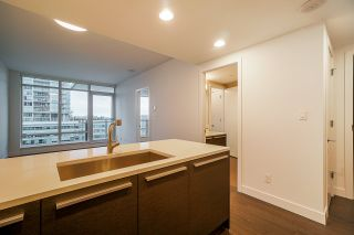"""Photo 6: 2106 2008 ROSSER Avenue in Burnaby: Brentwood Park Condo for sale in """"SOLO"""" (Burnaby North)  : MLS®# R2527577"""