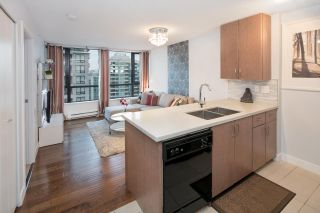 """Photo 8: 2604 977 MAINLAND Street in Vancouver: Yaletown Condo for sale in """"YALETOWN PARK III"""" (Vancouver West)  : MLS®# R2122379"""