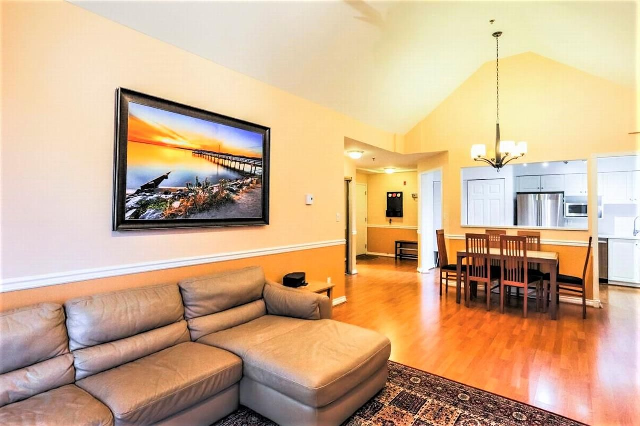 """Photo 2: Photos: 404 1148 WESTWOOD Street in Coquitlam: North Coquitlam Condo for sale in """"THE CLASSICS"""" : MLS®# R2229994"""