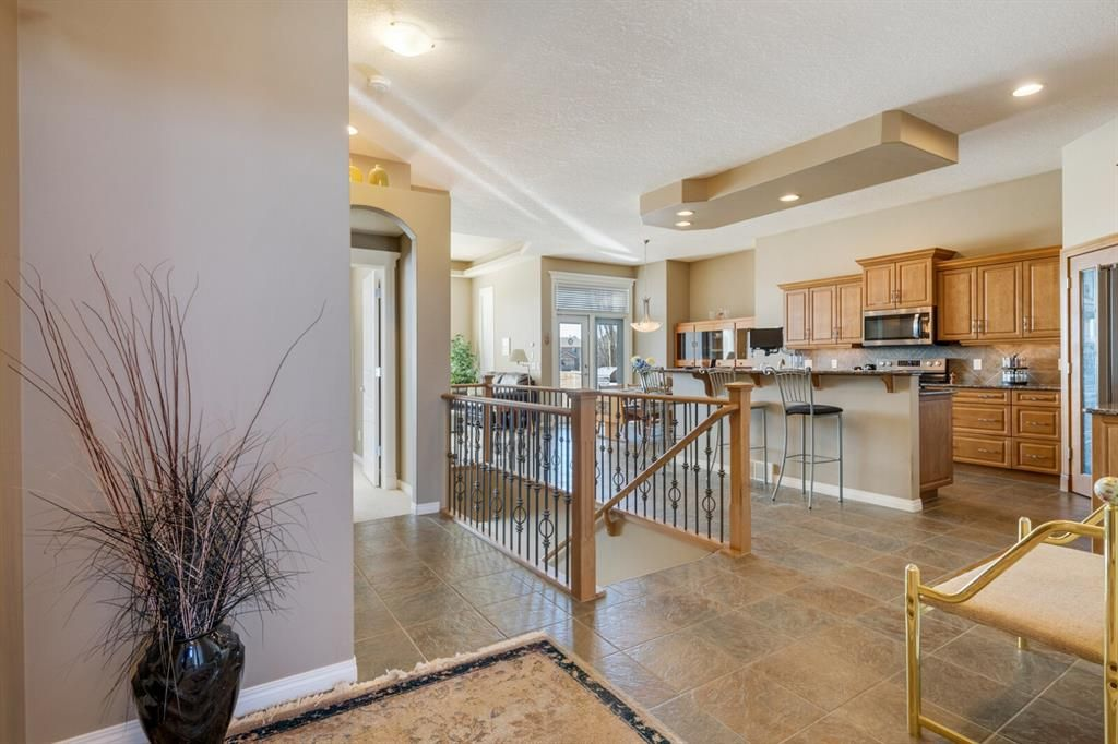 Photo 7: Photos: 3 Tuscany Glen Place NW in Calgary: Tuscany Detached for sale : MLS®# A1091362