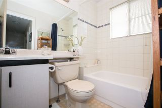 """Photo 16: 23 2736 ATLIN Place in Coquitlam: Coquitlam East Townhouse for sale in """"CEDAR GREEN ESTATES"""" : MLS®# R2226742"""