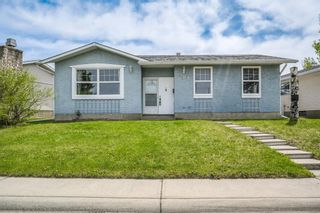 Main Photo: 359 Penworth Way SE in Calgary: Penbrooke Meadows Detached for sale : MLS®# A1113763