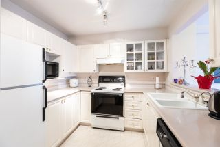 Photo 12: 301 8880 JONES Road in Richmond: Brighouse South Condo for sale : MLS®# R2415653