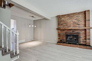 Photo 2: 137 Woodglen Way SW in Calgary: Woodbine Semi Detached for sale : MLS®# A1092343