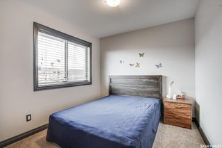 Photo 16: 819 Willowgrove Crescent in Saskatoon: Willowgrove Residential for sale : MLS®# SK852564