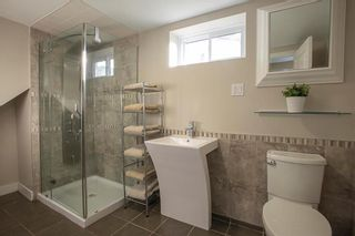 Photo 17: 650 Beaverbrook Street in Winnipeg: River Heights South Residential for sale (1D)  : MLS®# 202000984