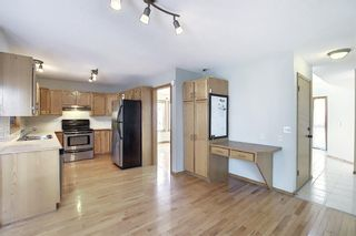 Photo 5: 65 Hawkville Close NW in Calgary: Hawkwood Detached for sale : MLS®# A1067998