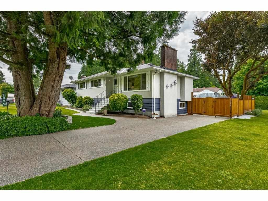 Main Photo: 2632 GORDON Avenue in Port Coquitlam: Central Pt Coquitlam House for sale : MLS®# R2587700
