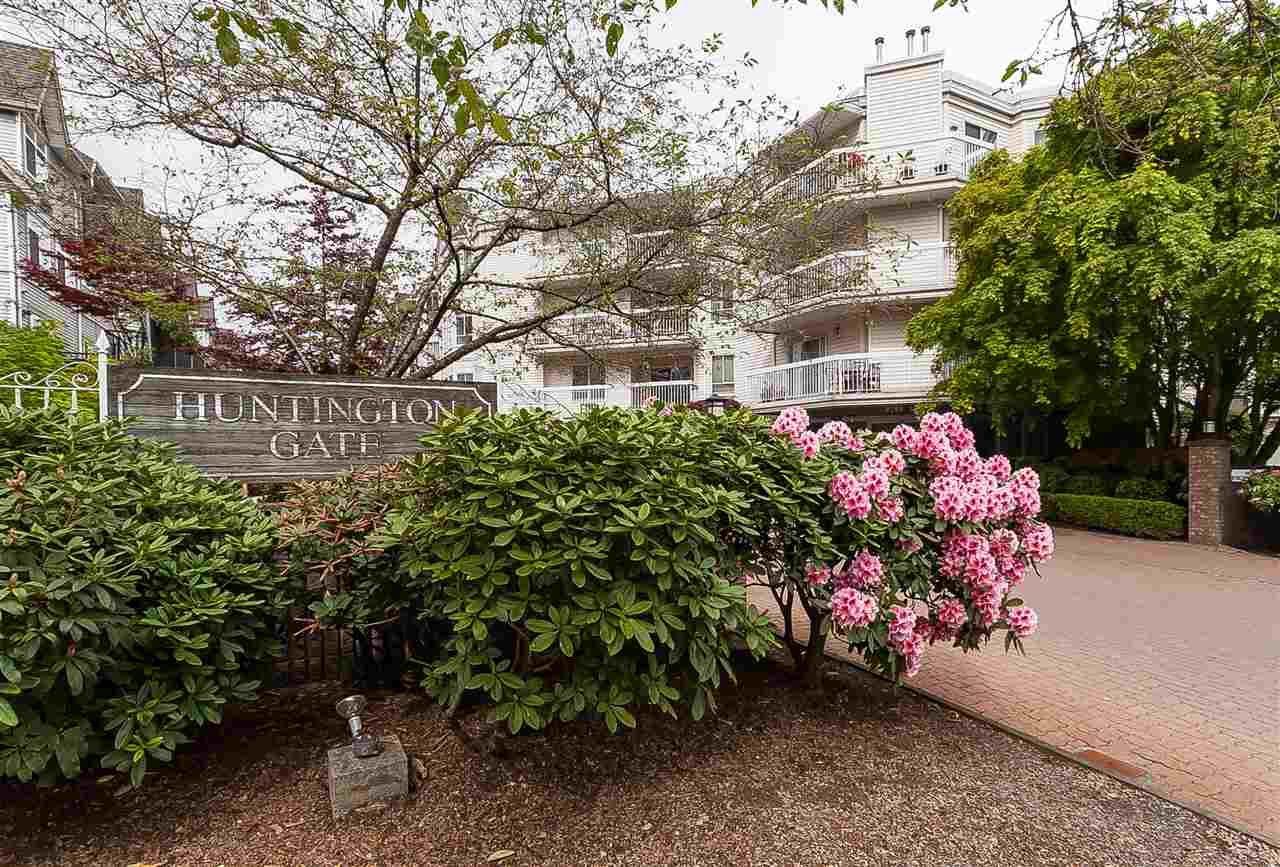 "Photo 2: Photos: 112 9299 121 Street in Surrey: Queen Mary Park Surrey Condo for sale in ""Huntington Gate"" : MLS®# R2365888"