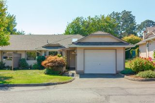 Photo 2: 18 4120 Interurban Rd in VICTORIA: SW Strawberry Vale Row/Townhouse for sale (Saanich West)  : MLS®# 796838