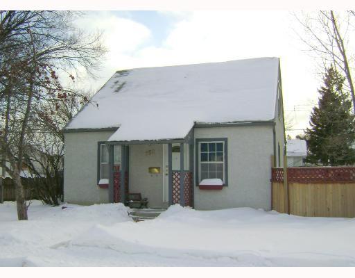 Main Photo: 750 MARTIN Avenue East in WINNIPEG: East Kildonan Residential for sale (North East Winnipeg)  : MLS®# 2802303