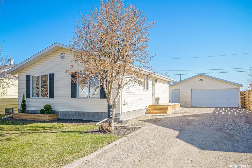 Main Photo: 135 Skye Drive in Colonsay: Residential for sale : MLS®# SK851627