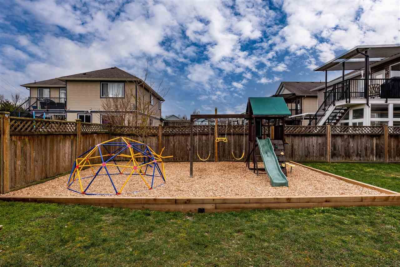 """Photo 39: Photos: 34914 2 Avenue in Abbotsford: Poplar House for sale in """"Huntingdon Village"""" : MLS®# R2548984"""