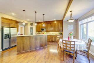 Photo 3: 3255 CAMELBACK Lane in Coquitlam: Westwood Plateau House for sale : MLS®# R2425810