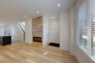 Photo 6: 2422 53 Avenue SW in Calgary: North Glenmore Park Detached for sale : MLS®# A1142924