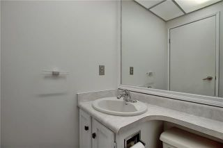 Photo 18: 24 GLAMIS Gardens SW in Calgary: Glamorgan Row/Townhouse for sale : MLS®# A1077235