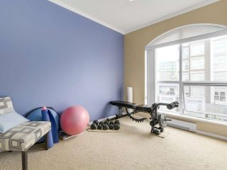 """Photo 12: PH10 511 W 7TH Avenue in Vancouver: Fairview VW Condo for sale in """"BEVERLY GARDENS"""" (Vancouver West)  : MLS®# R2156639"""