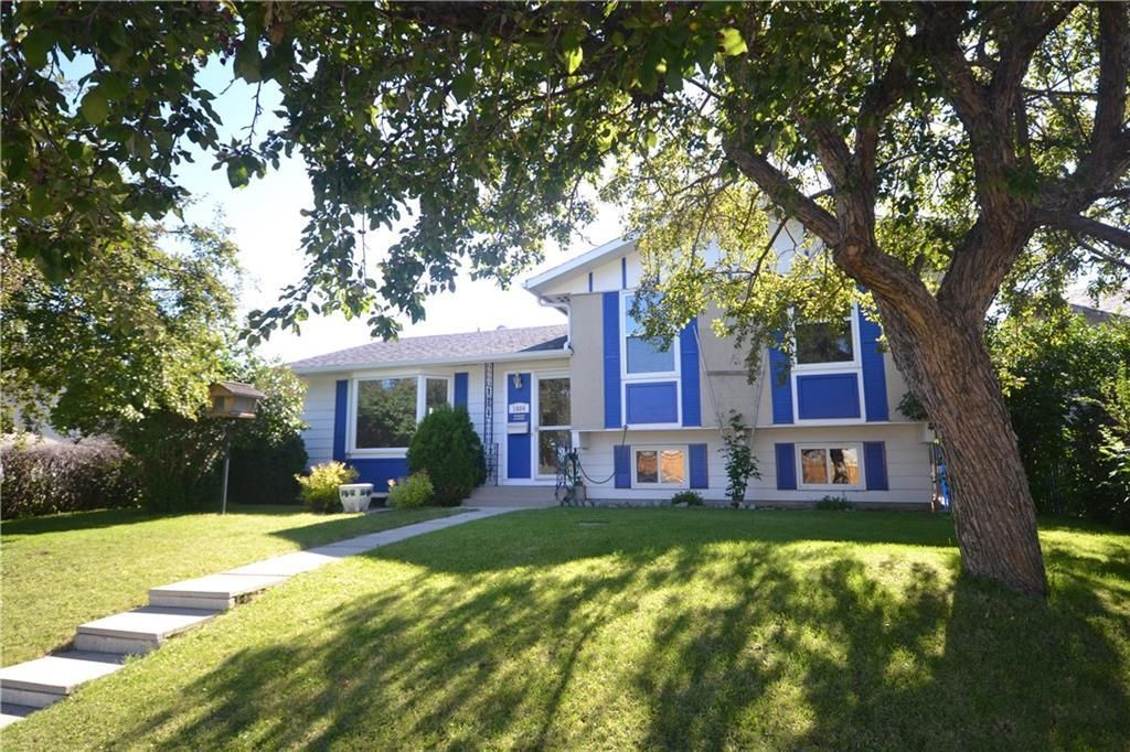 Main Photo: 1004 PENSDALE Crescent SE in Calgary: Penbrooke Meadows Detached for sale : MLS®# C4305692