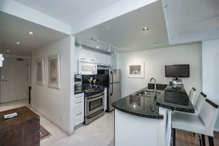 """Photo 3: 1803 1331 W GEORGIA Street in Vancouver: Coal Harbour Condo for sale in """"THE POINTE"""" (Vancouver West)  : MLS®# R2073333"""