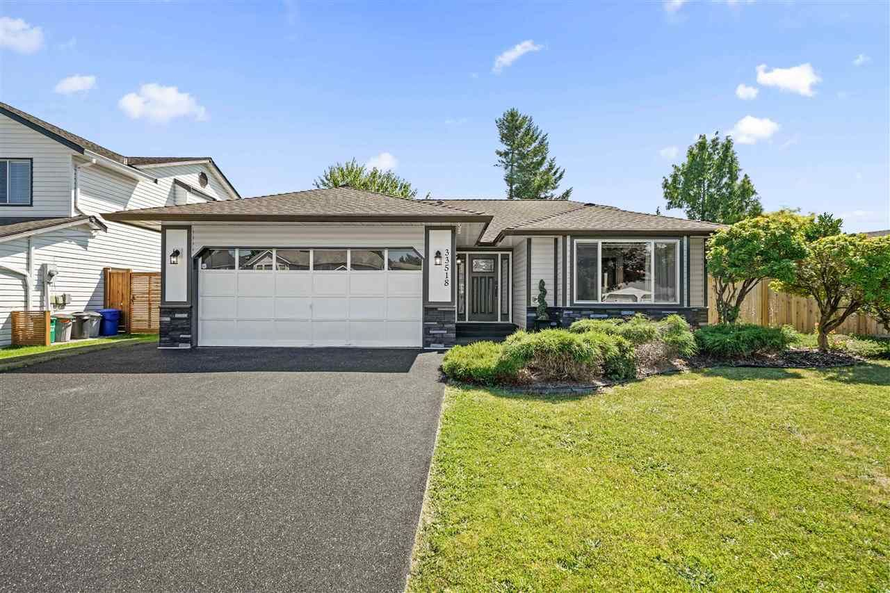 """Main Photo: 33518 KNIGHT Avenue in Mission: Mission BC House for sale in """"COLLEGE HEIGHTS"""" : MLS®# R2484128"""