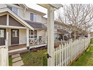 """Photo 4: 42 4401 BLAUSON Boulevard in Abbotsford: Abbotsford East Townhouse for sale in """"The Sage"""" : MLS®# R2554193"""