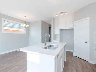 Photo 3: 60 SKYVIEW Circle NE in Calgary: Skyview Ranch Row/Townhouse for sale : MLS®# C4200802