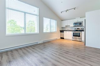 Photo 2: 206 4535 Uplands Dr in : Na Uplands Condo for sale (Nanaimo)  : MLS®# 877095