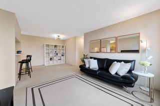 """Photo 4: 706 3520 CROWLEY Drive in Vancouver: Collingwood VE Condo for sale in """"Millenio"""" (Vancouver East)  : MLS®# R2617319"""