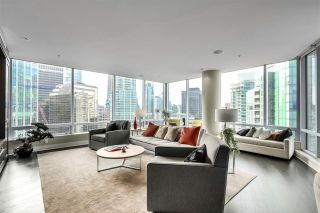 "Photo 10: 2003 1077 W CORDOVA Street in Vancouver: Coal Harbour Condo for sale in ""SHAW TOWER-COAL HARBOUR WATERFRONT"" (Vancouver West)  : MLS®# R2526230"