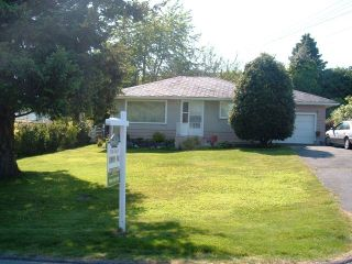Photo 1: 1127 Knet St in White Rock: Home for sale