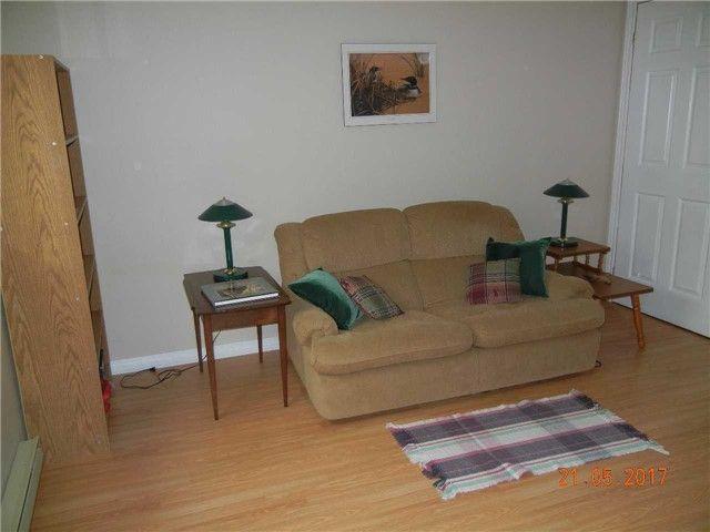 Photo 3: Photos:  in Dysart et al: House (2-Storey) for sale : MLS®# X3824144