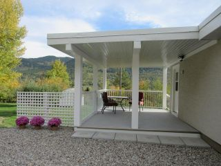 Photo 2: 950A 12TH AVENUE in Montrose: House for sale : MLS®# 2461481