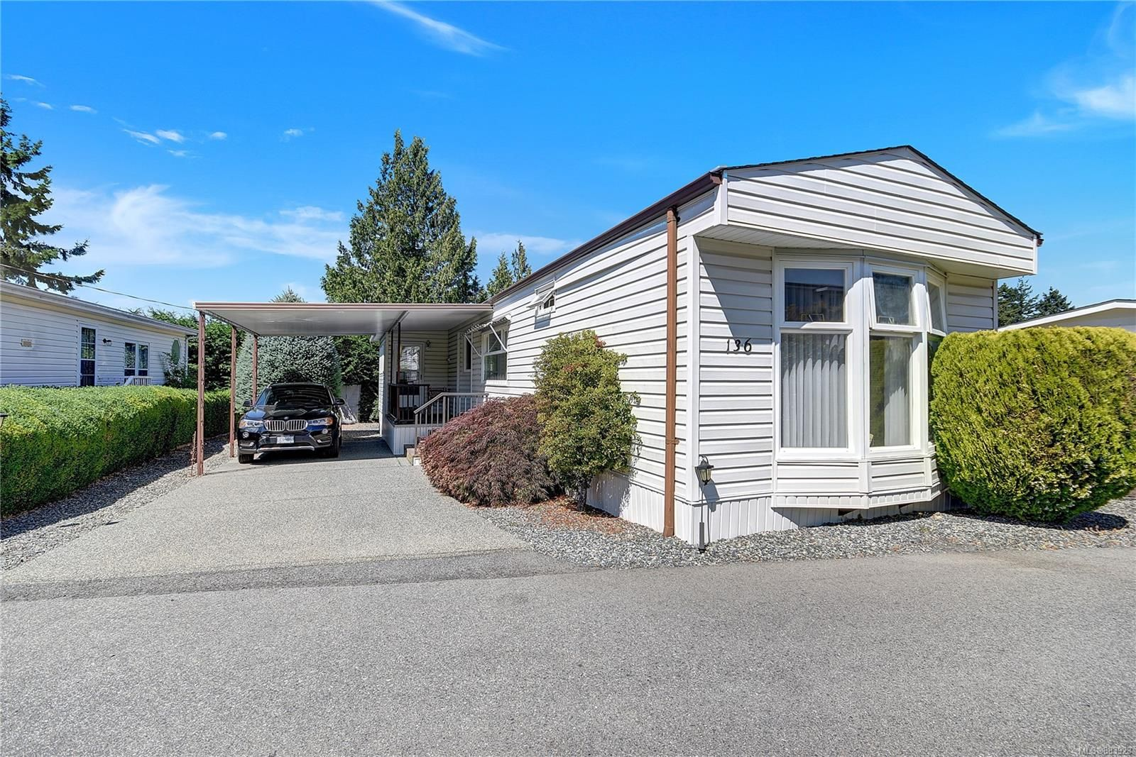 Main Photo: 136 6325 Metral Dr in Nanaimo: Na Pleasant Valley Manufactured Home for sale : MLS®# 883923