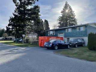 Photo 3: 2131 SANDALWOOD Avenue in Abbotsford: Central Abbotsford House for sale : MLS®# R2548700
