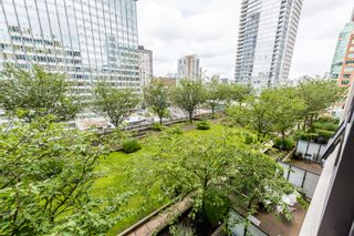 """Photo 16: 1315 938 SMITHE Street in Vancouver: Downtown VW Condo for sale in """"ELECTRIC AVENUE"""" (Vancouver West)  : MLS®# R2388880"""