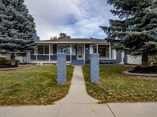 Photo 2: 48 Foxwell Road SE in Calgary: Fairview Detached for sale : MLS®# A1150698