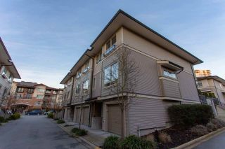 Photo 2: 20 301 KLAHANIE Drive in Port Moody: Port Moody Centre Townhouse for sale : MLS®# R2032725
